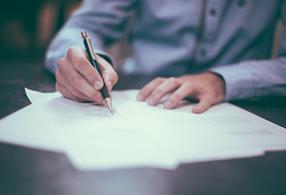 signing pen signature