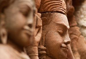 Picture of Cambodian stone statues
